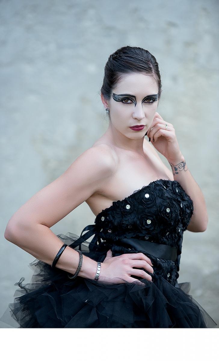 Black Swan (Black Swan)
