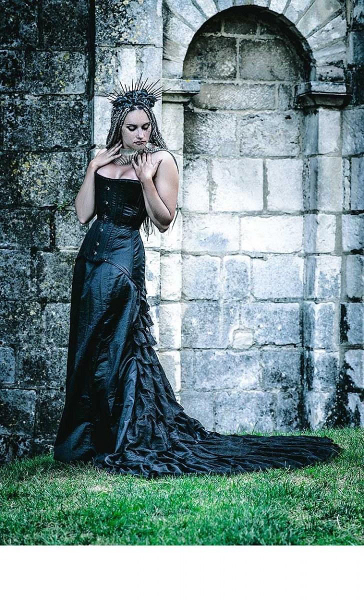 Coiffe : Sweet Arrogance - Robe : Laurine Petito